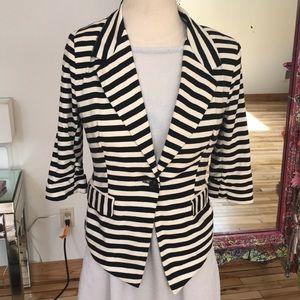 Monteau B/W striped blazer
